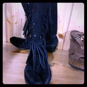 Minnetonka Mid-Calf boots with tassel